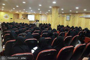 نشست خانواده و تعمیق فرهنگ نماز