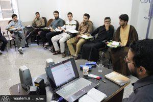 حضور طلاب مدرسه محمودیه کرمان در دوره آموزشی زبان عربی مرکز آموزشی شیخ بهایی