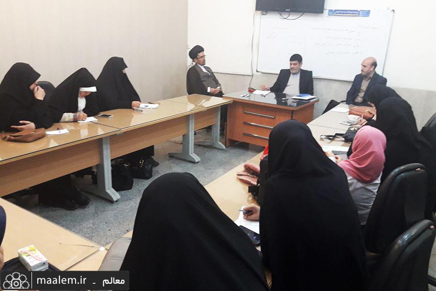 جلسه توجیهی دوره تربیت مدرس نقد و بررسی جریانهای سلفیه تکفیری برگزار شد